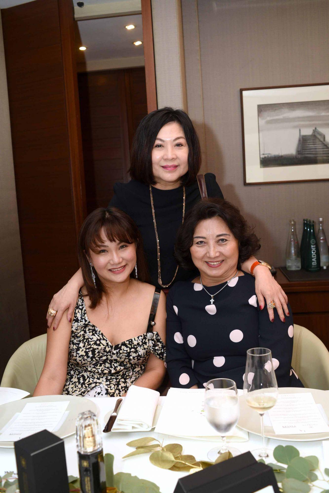 Selina Low, Lilian Low, Kristine Goh