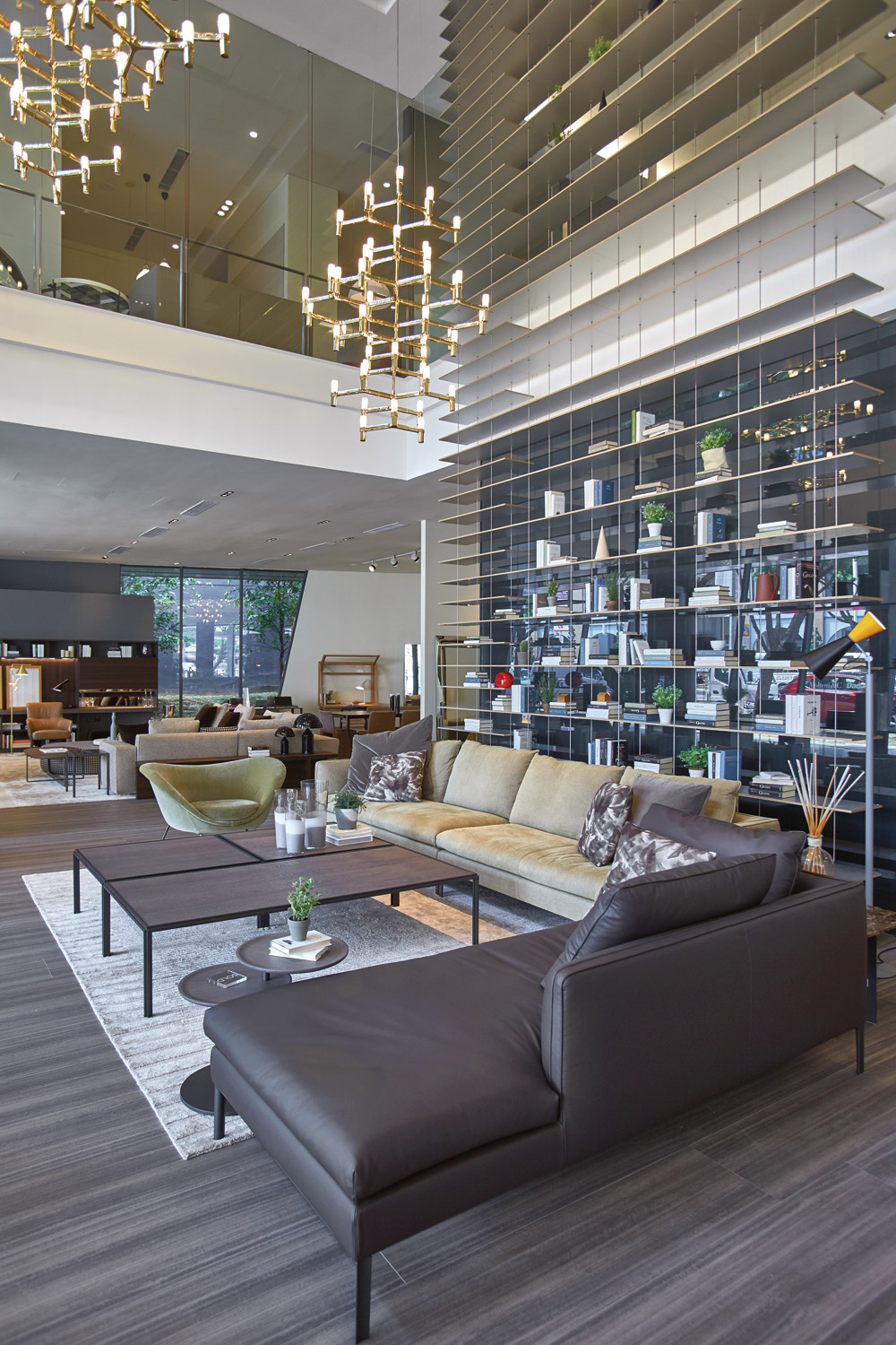 Molteni&C at the P5 showroom in Singapore