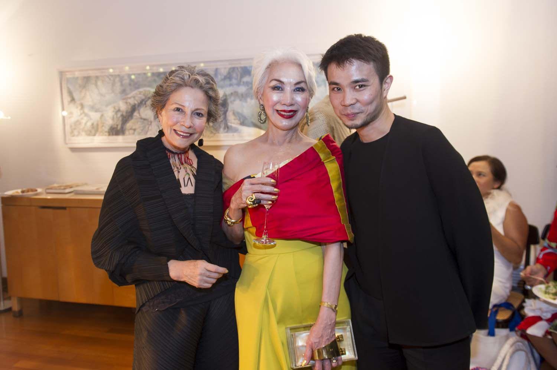 Eugenia Gajardo, Peggy Jeffs, Auguste Soesastro