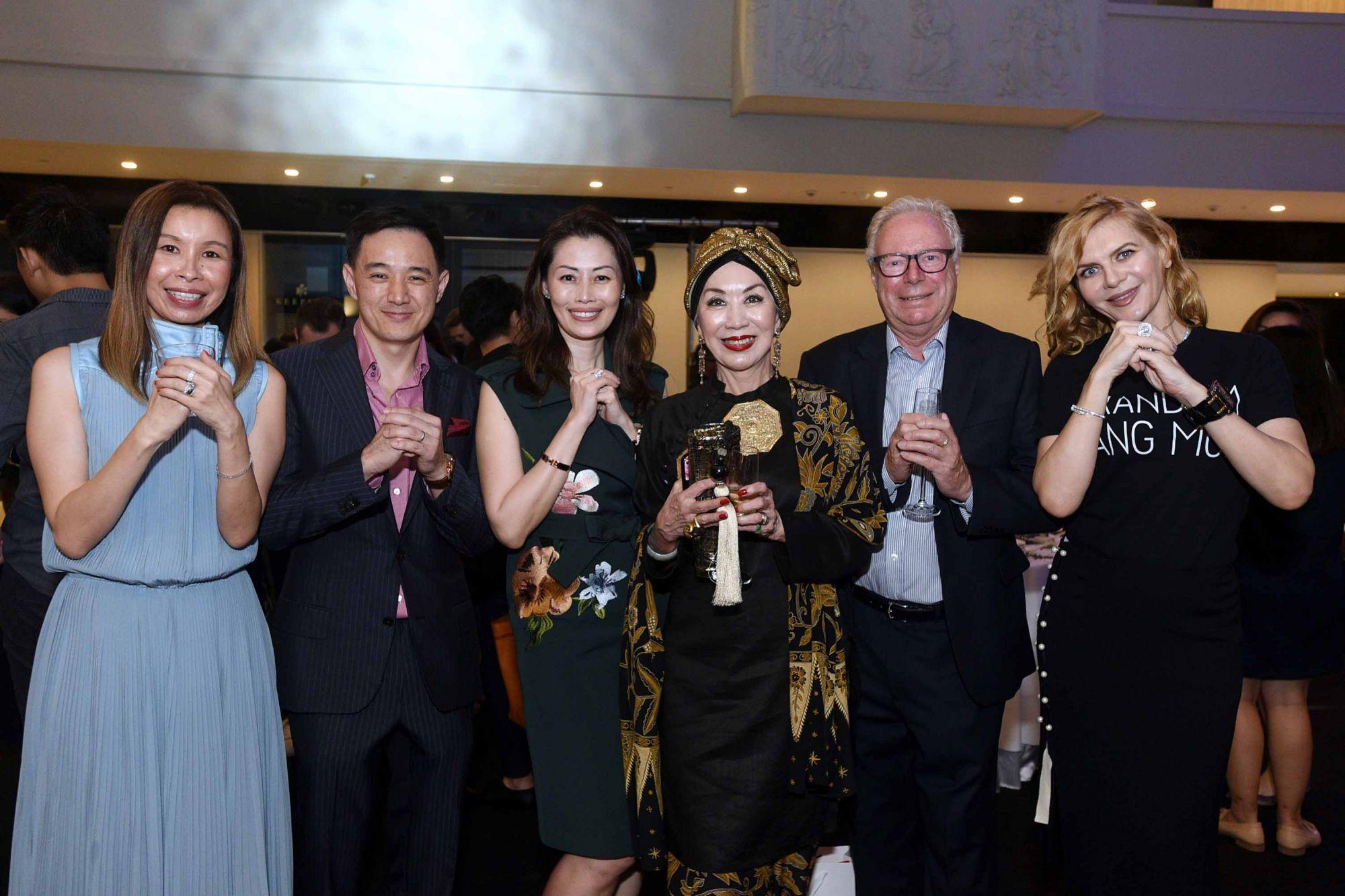 Stephanie Tay, Benjamin Kim, Serene Tan, Peggy Jeffs, Tony Jeffs, Paulina Böhm