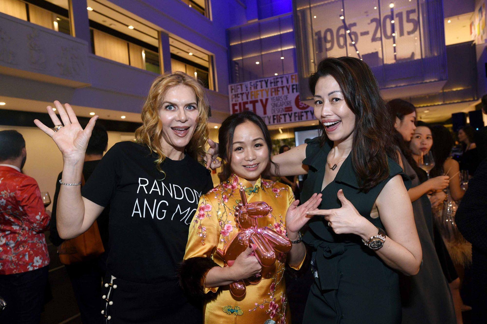 Paulina Böhm, Tonya Tan, Serene Tan
