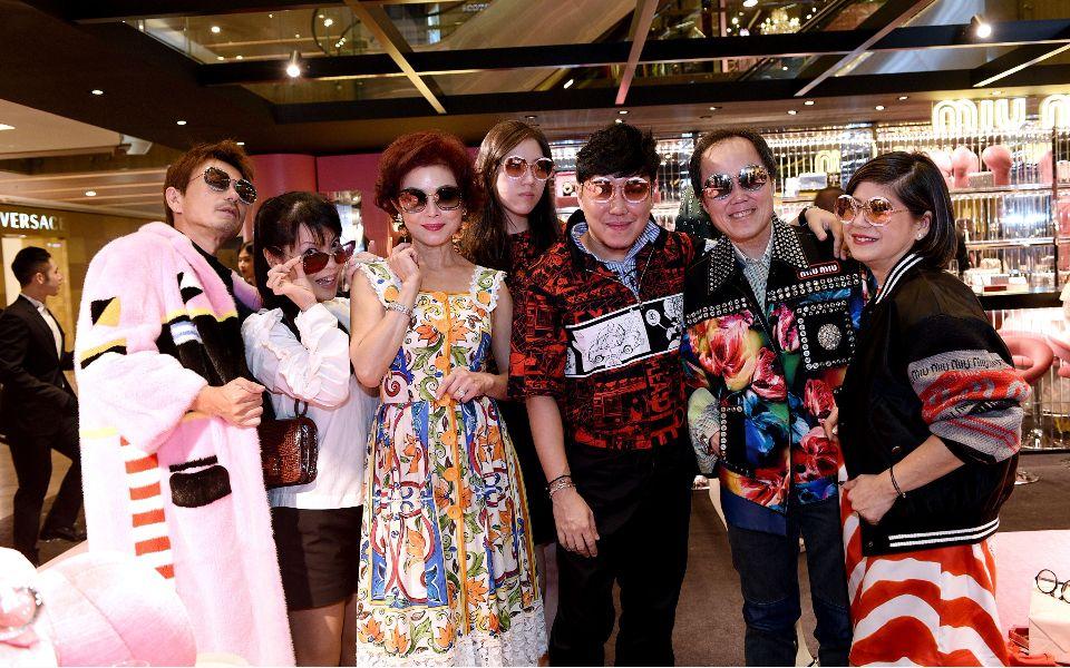 Kimihisa Abe, Kyoko Abe, Linda Soo-Tan, Zeena Tan, Desmond Lim, Bernard Cheong, Samantha Tang