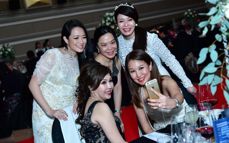 Elaine Kim, Ann Tan, Winnie Chan, Laura Hwang, June Goh