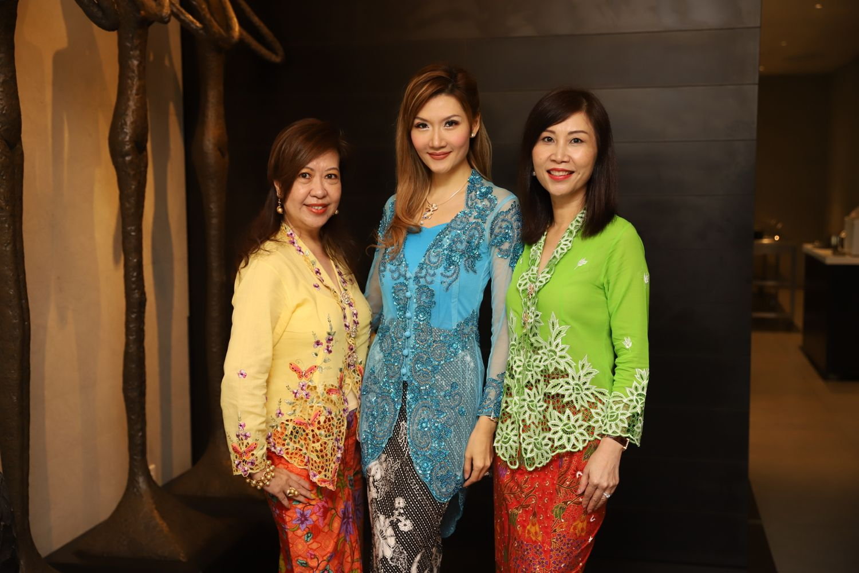 Josephine Wong, Lisa Huang, Phyllis Ong