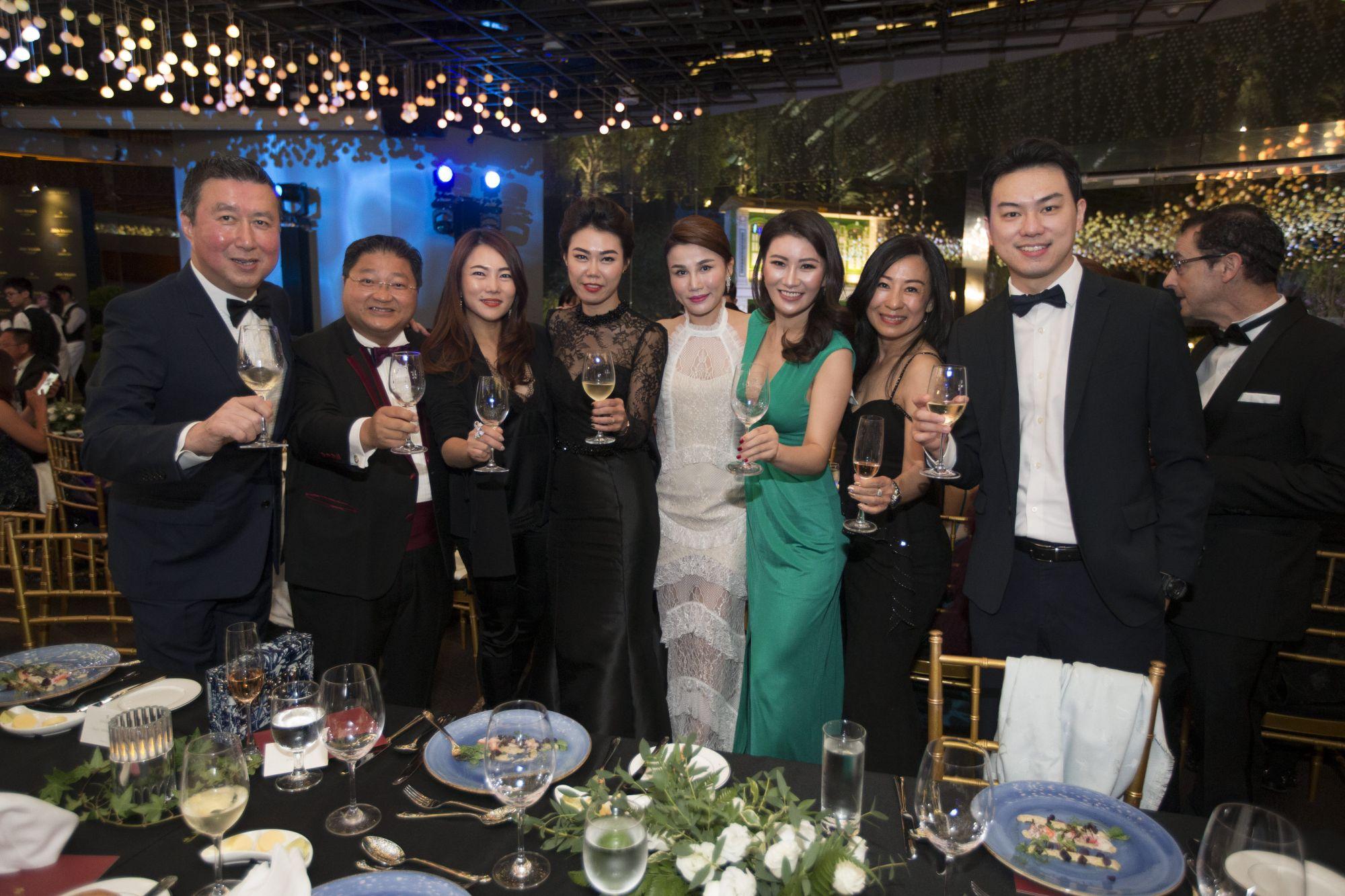 Jeffrey Piak, Andy Kuek, Wendy Poh, Angela Ngoh, Jilly Wang, Zhang Keke, Mildred Kuek, Nigel Lim