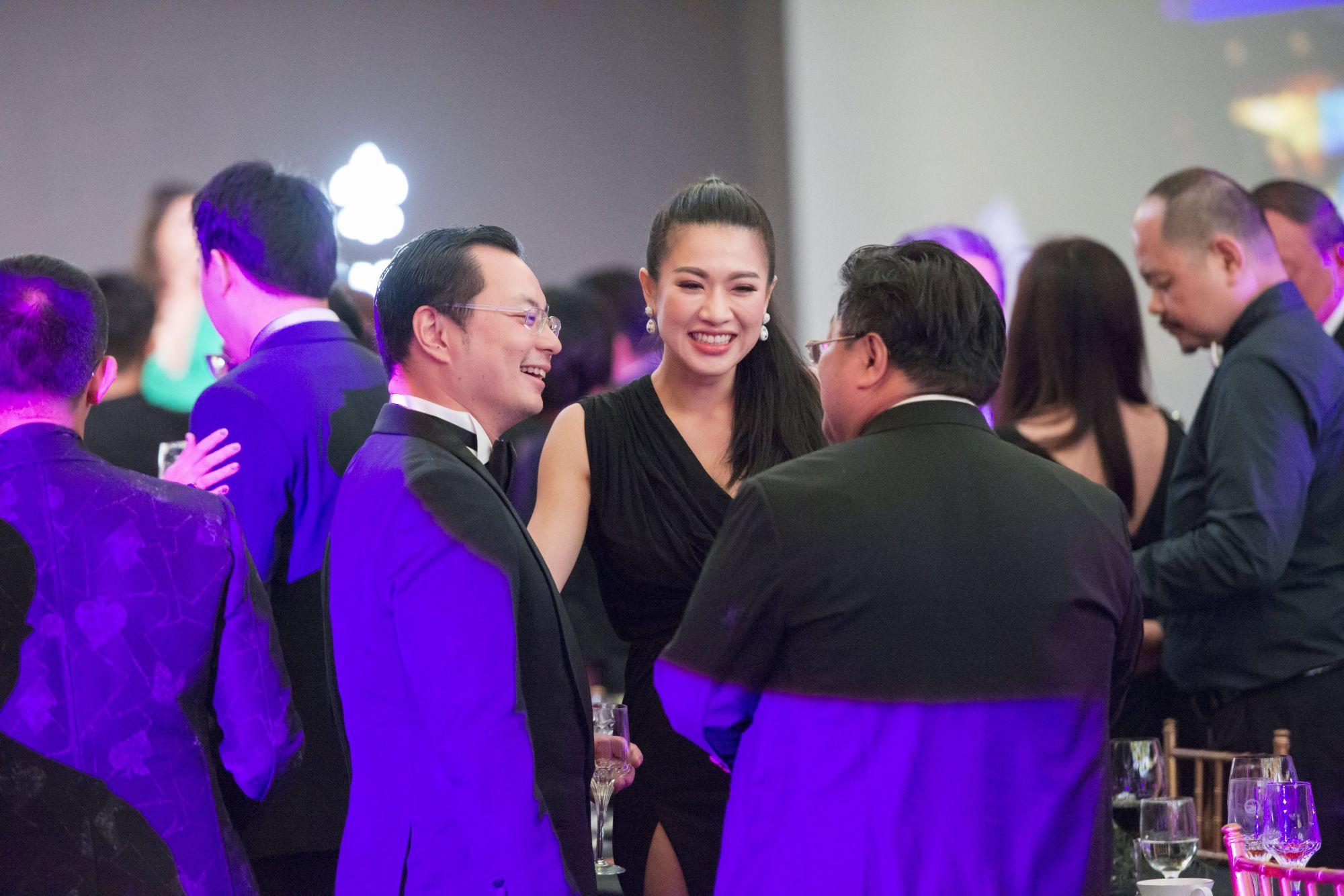 Kenneth Tan, Shenise Wong