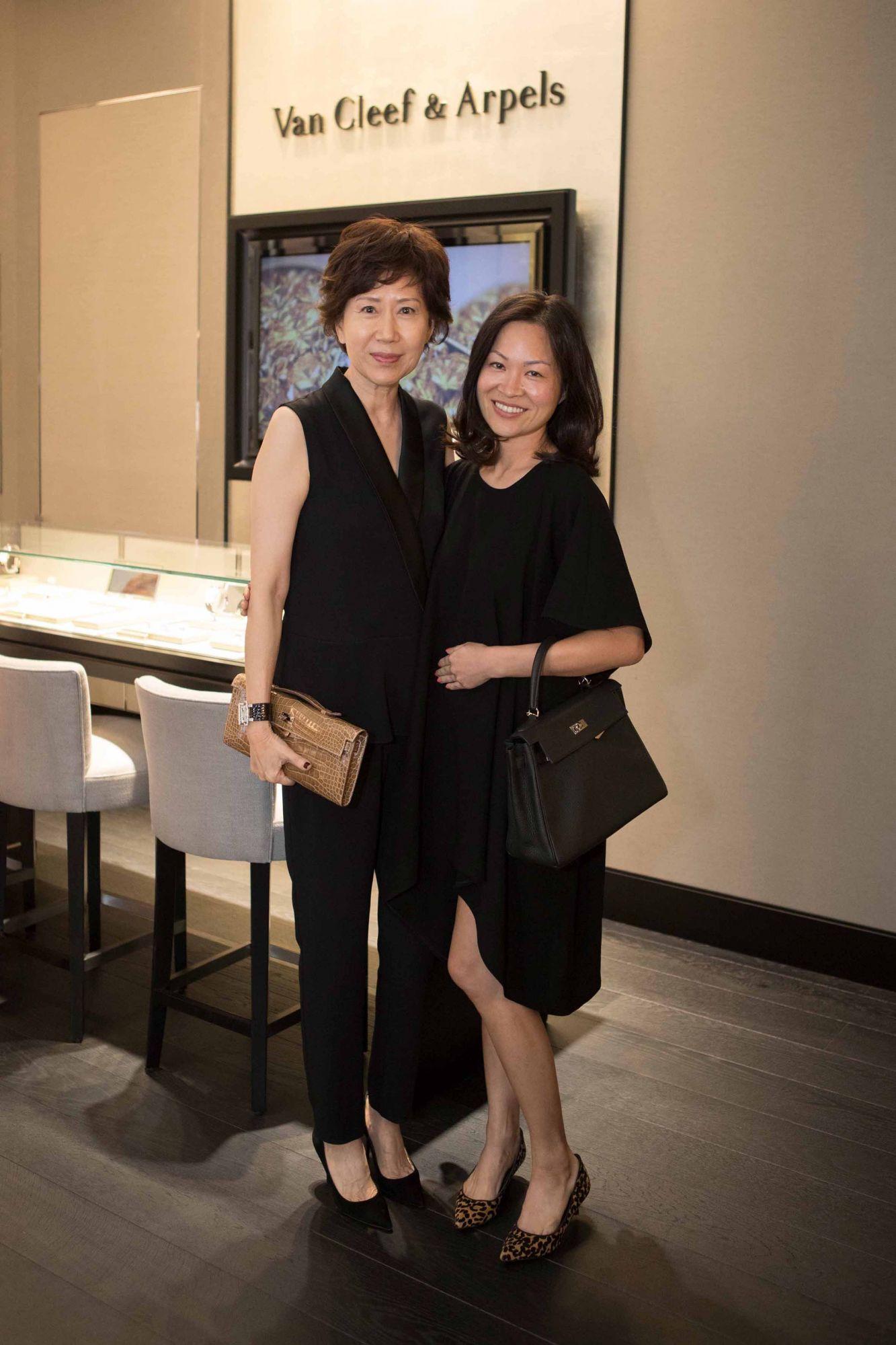 Nancy Ong, Sonia Ong