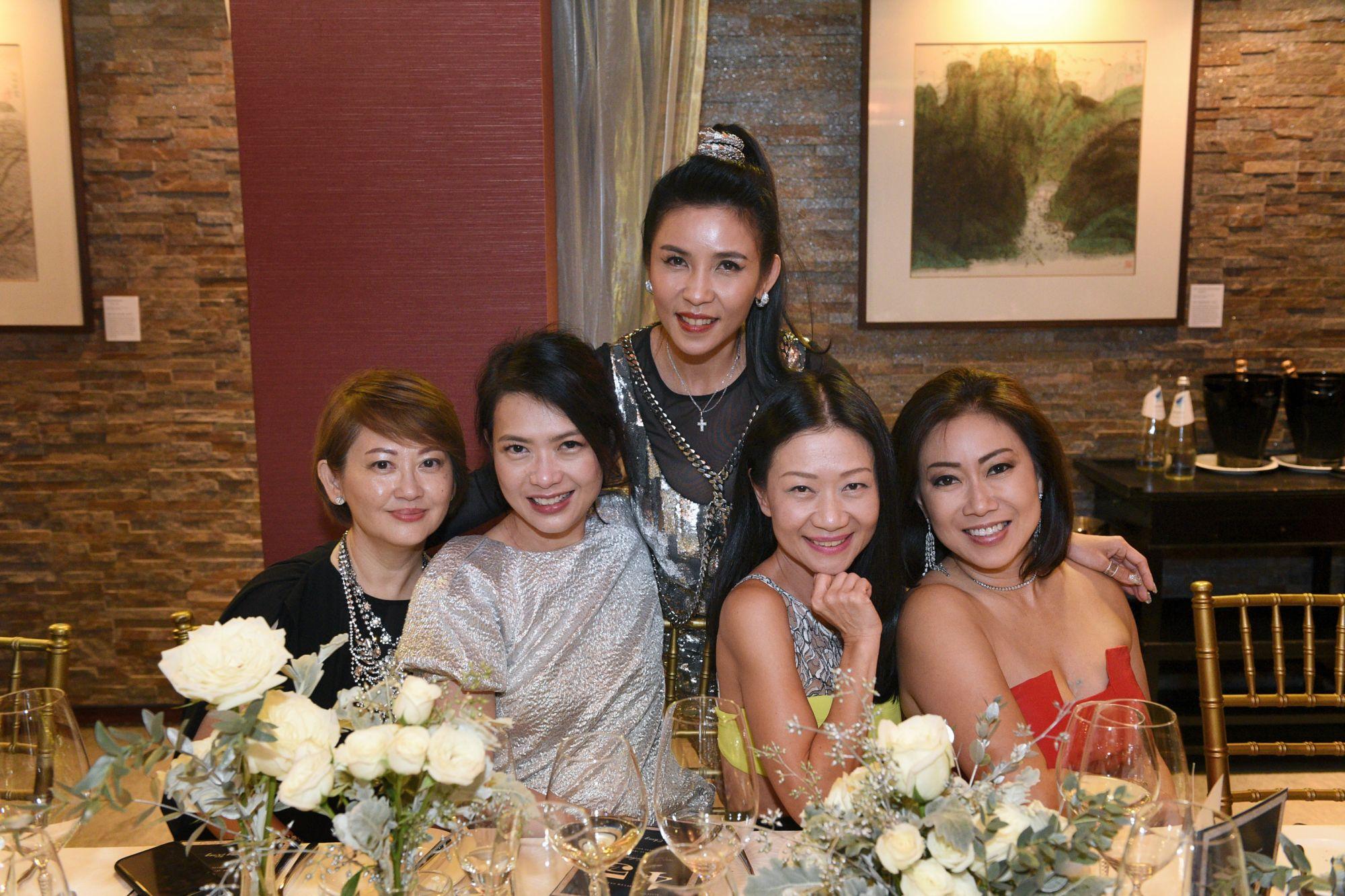 Jenny Wong, Ho Ching Lin, Fanty Soenardy, Dana Cheong, Ingrid Prasatya