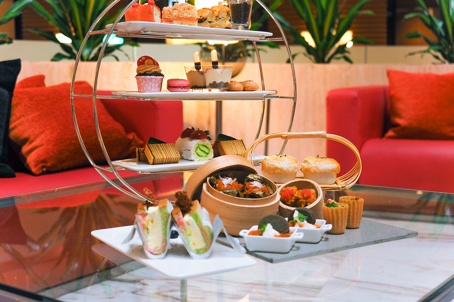 Heritage-inspired afternoon tea spread (Photo: Courtesy of Marina Mandarin Singapore)
