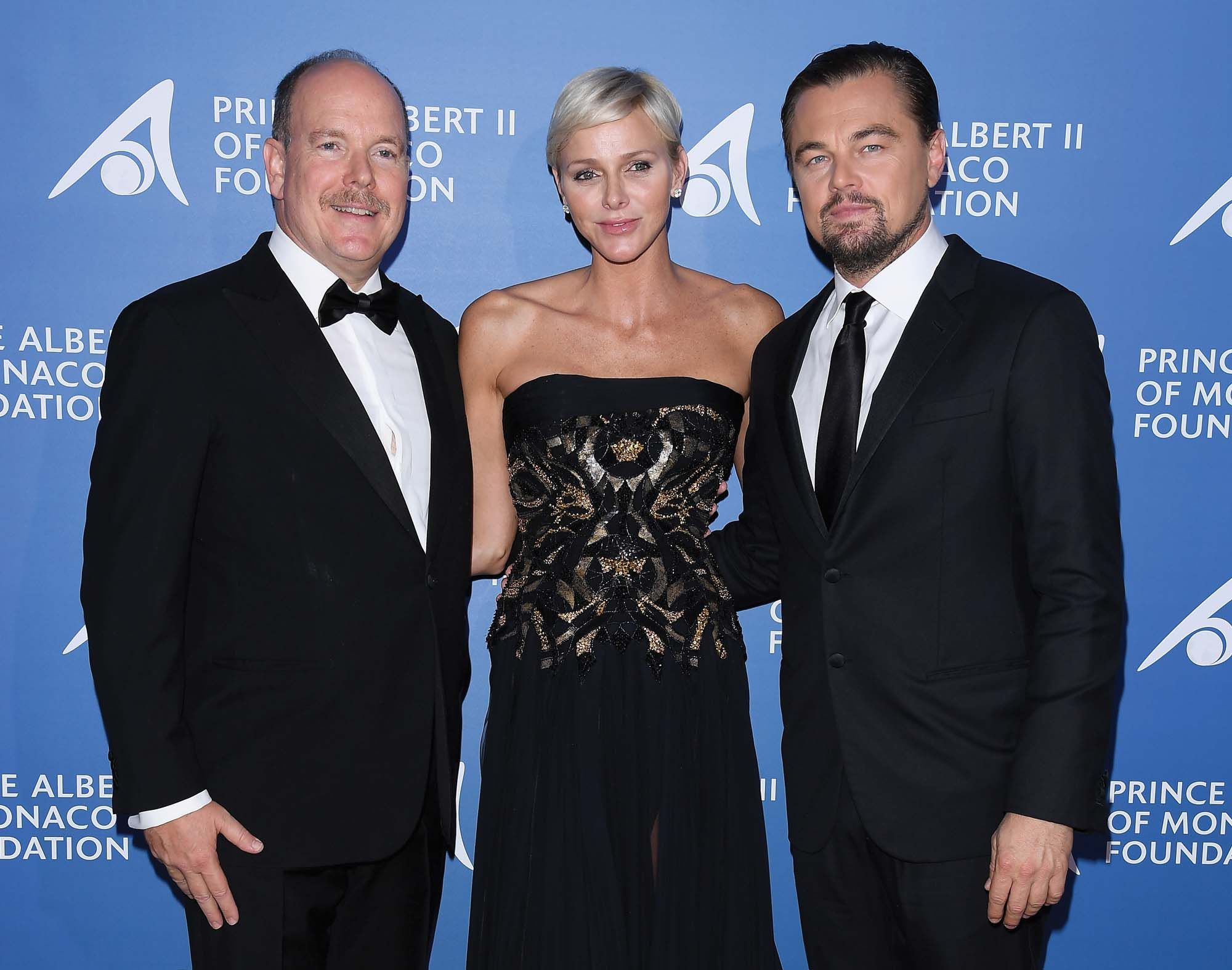 The prince fights for the cause, together with Charlene, Princess of Monaco, and actor Leonardo DiCaprio at the Monte Carlo Gala (photo by Getty Images)