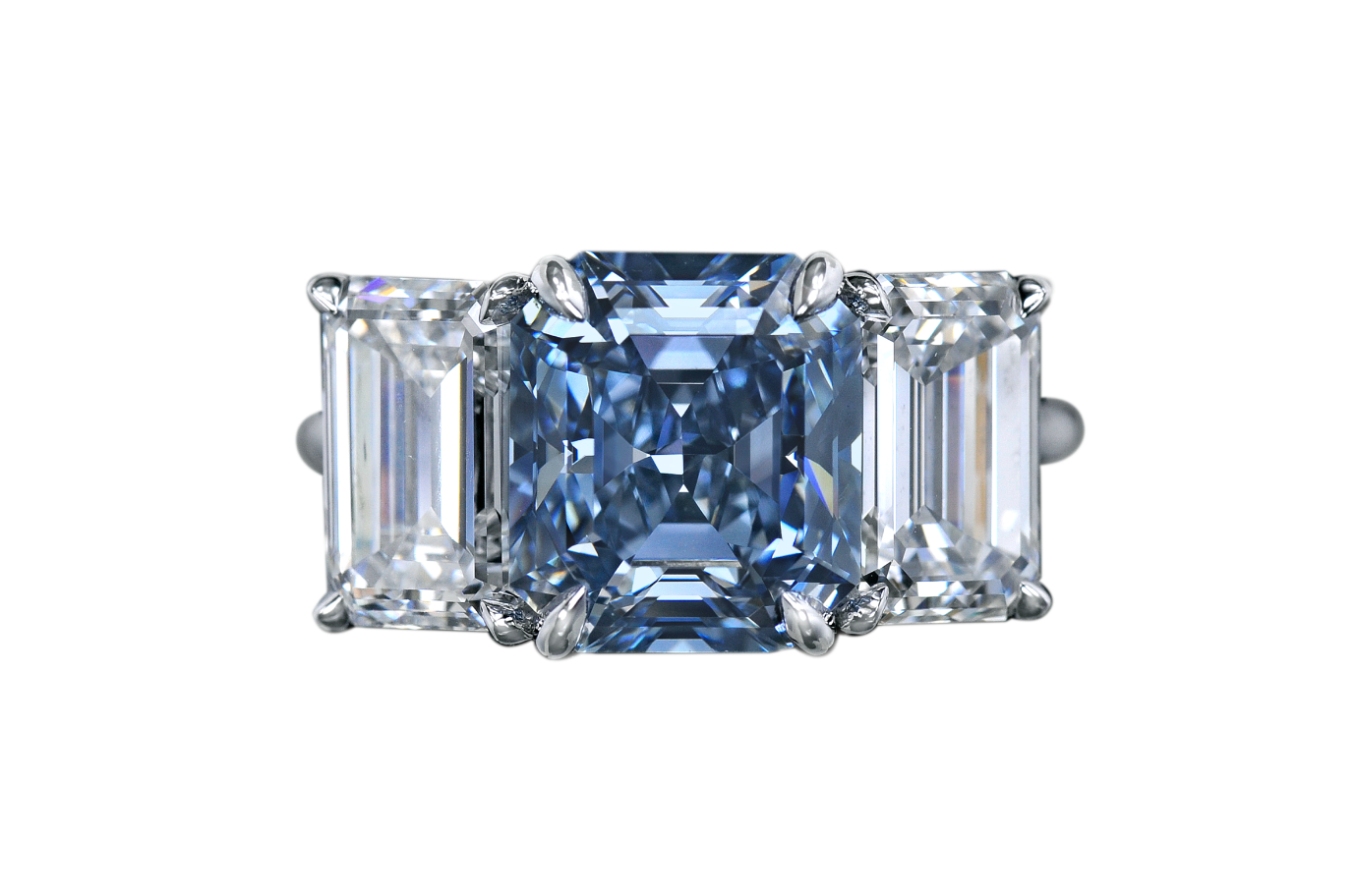 Ring with emerald-cut blue diamond over 3ct