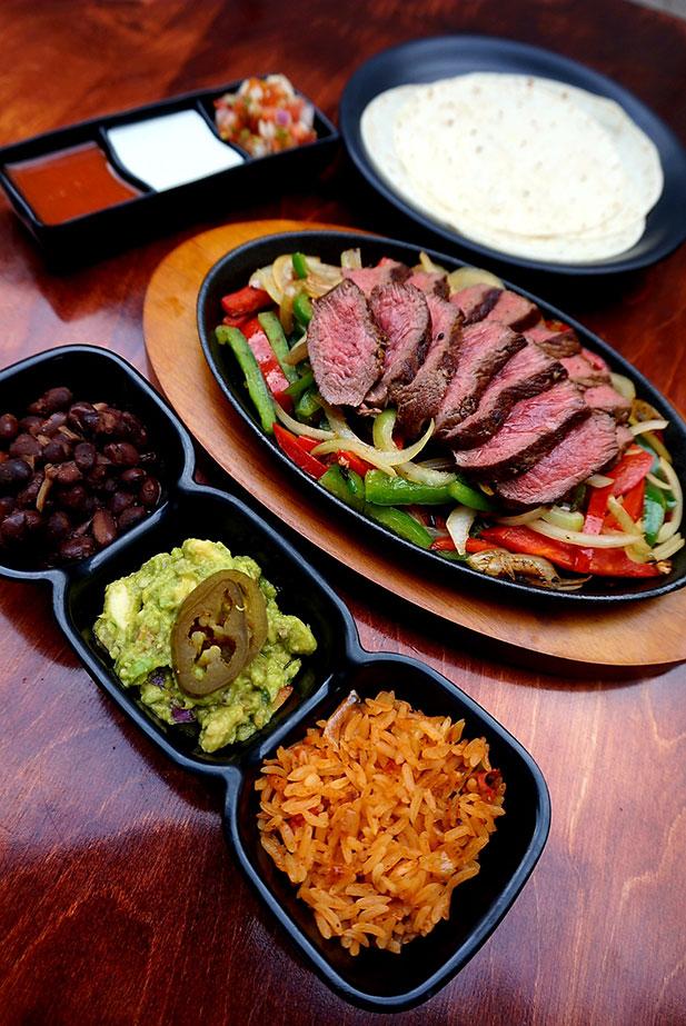 Ribeye steak fajita platter (Photo: Courtesy of Vatos)