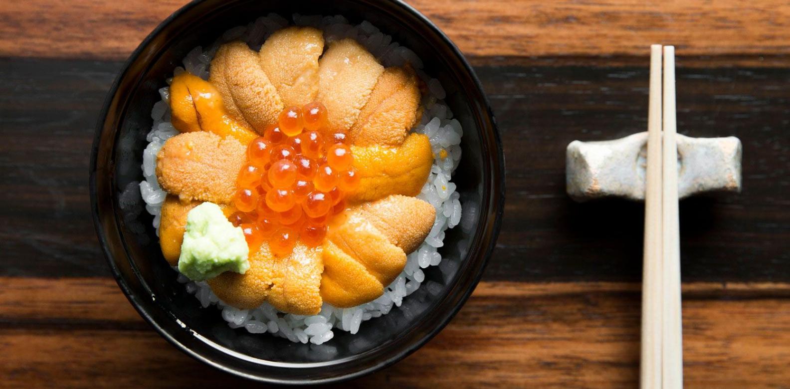 Sea urchin and salmon roe set on rice (Photo: Courtesy of Marina Bay Sands)