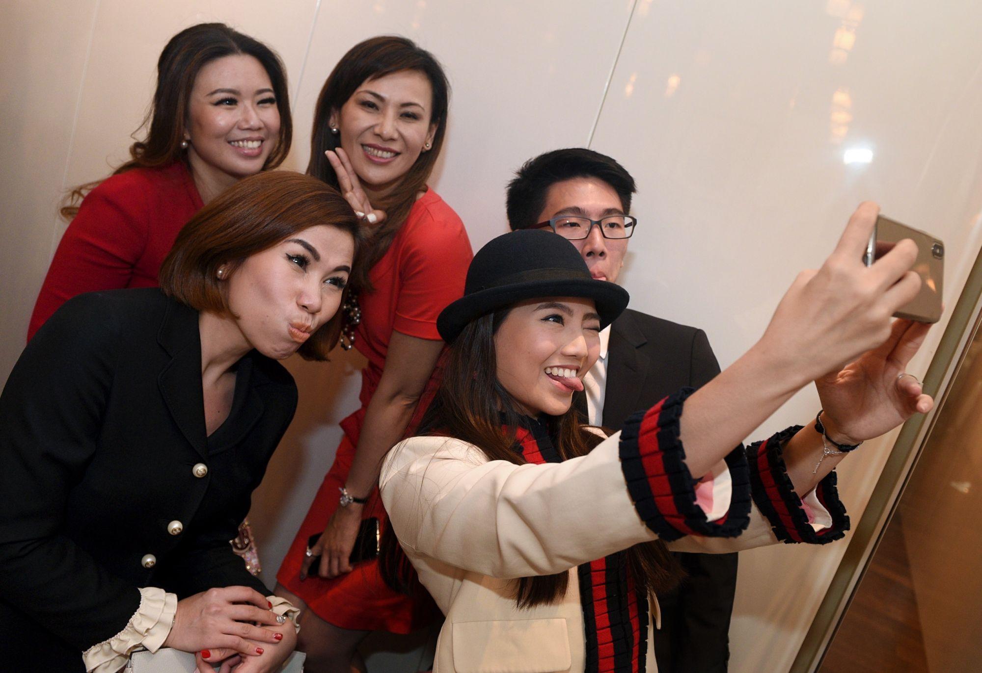 Seow Yin Yin, Sammi Lim, Carol Shieh, Vanessa Ng, Attlee Ng