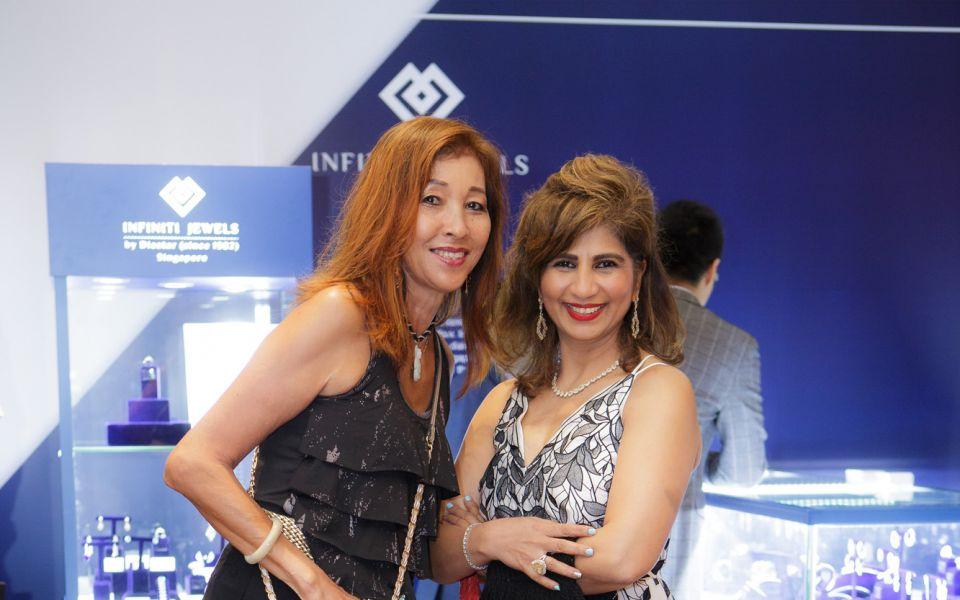 Pauline Ng, Meeta Mehta