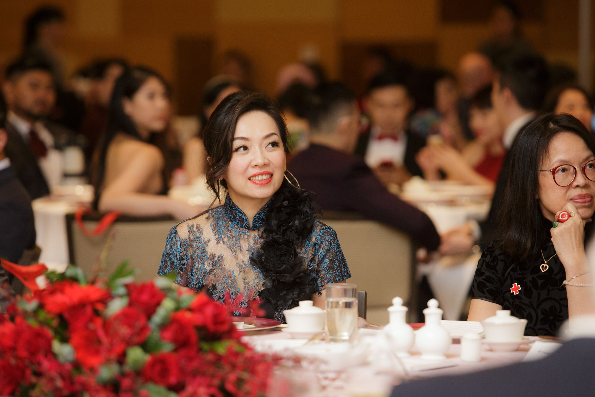Evelina Hu