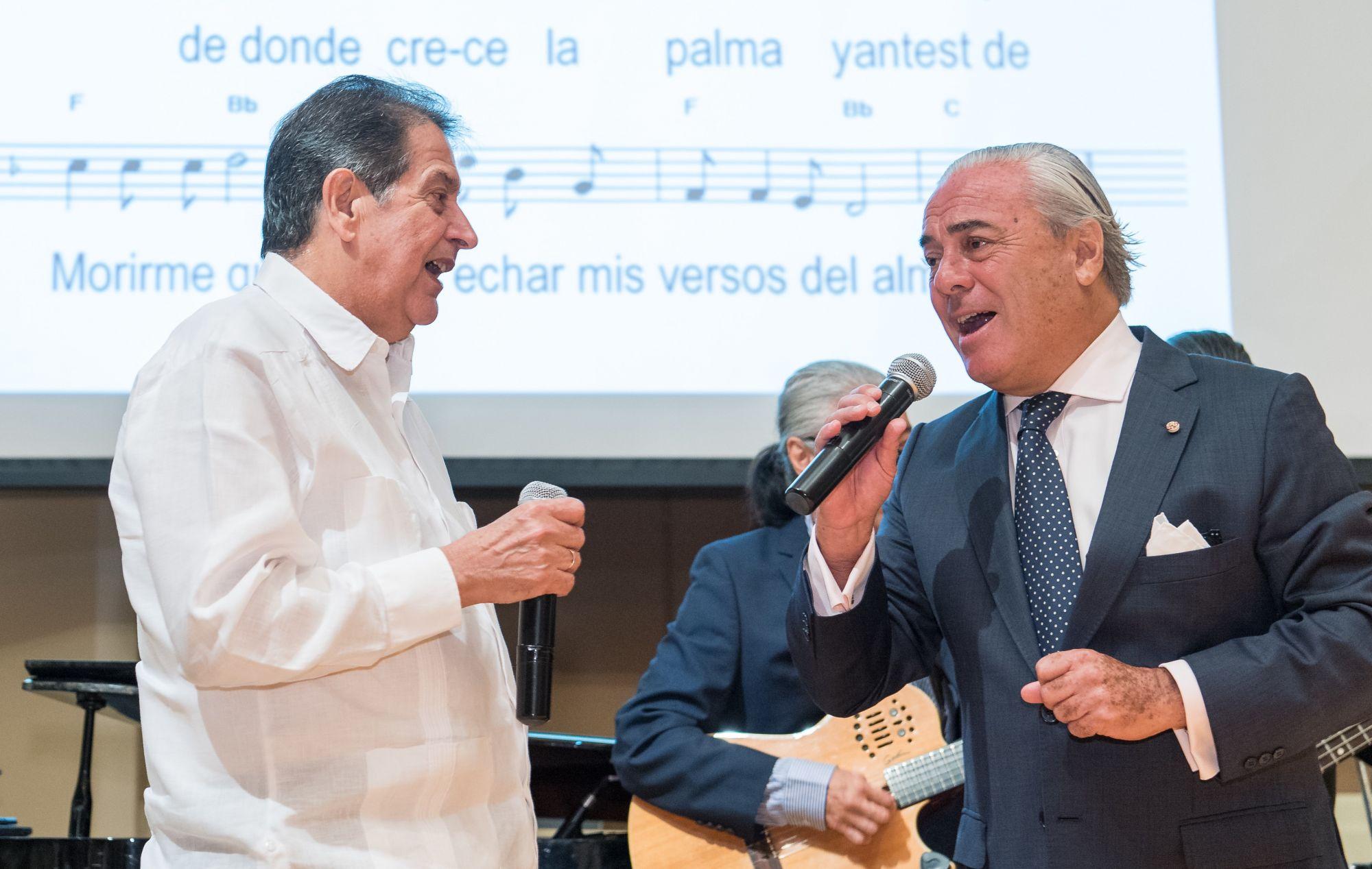 Fredesmán Turró González, James Sinclair Manley
