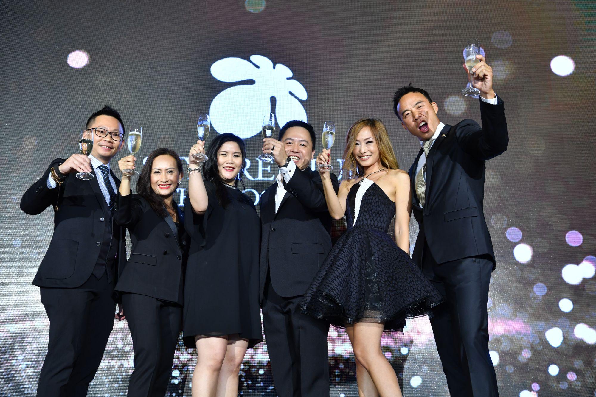 Alvin Tan, Barbara Gonzales, Lily Han, Andy Low, Tan Min-Li, Allan Wu