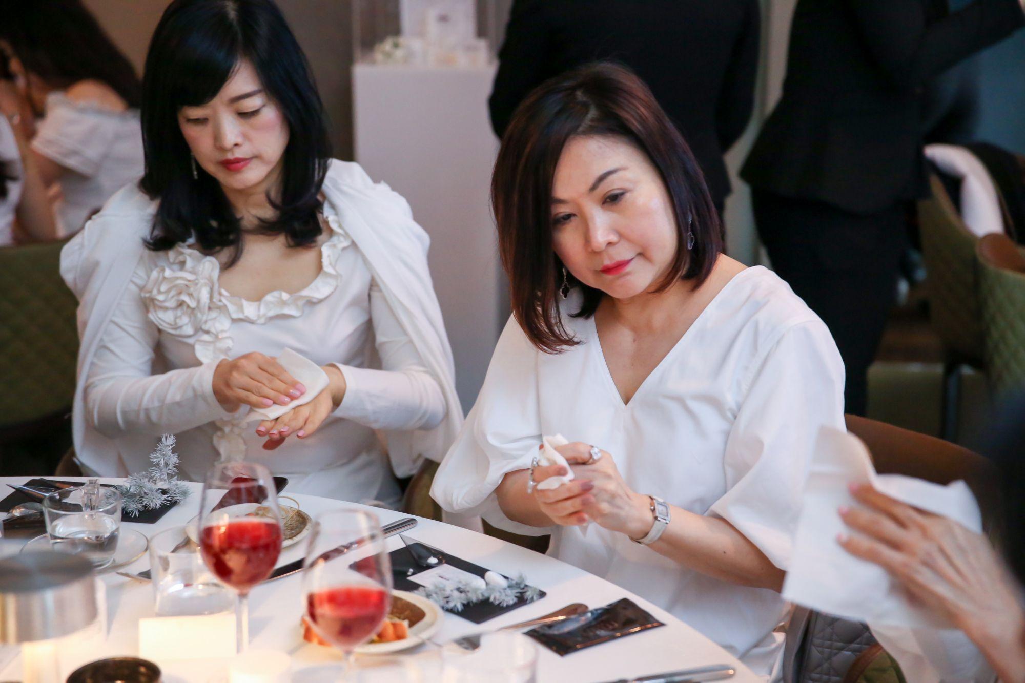 Cici Huang, Lilian Low