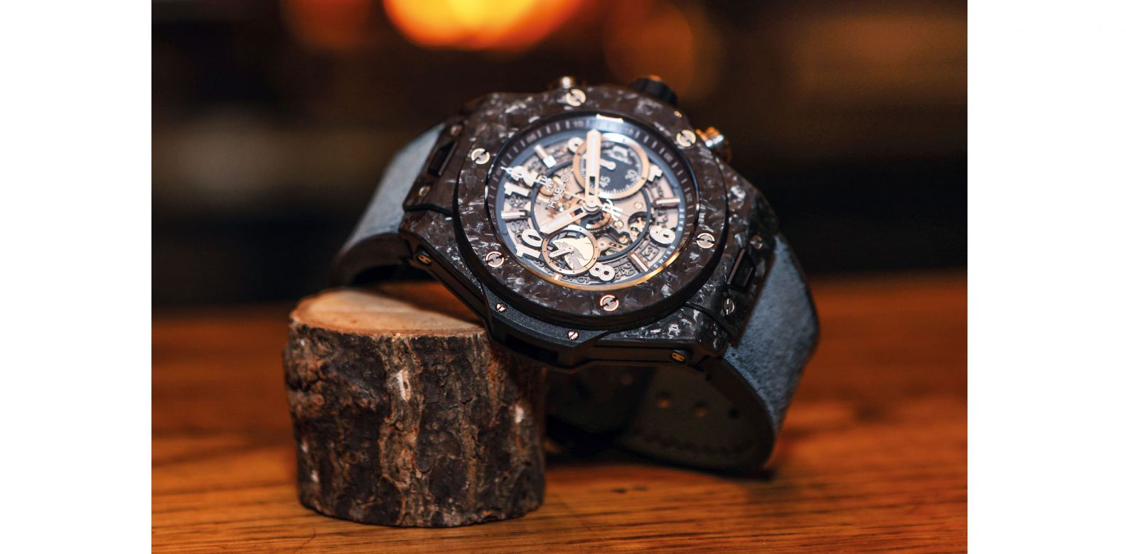 """For the Big Bang Unico Frosted Carbon, the top layer of its carbon-fibre components is prefabricated by randomly setting carbon flakes on it to give it the """"frosted"""" effect"""