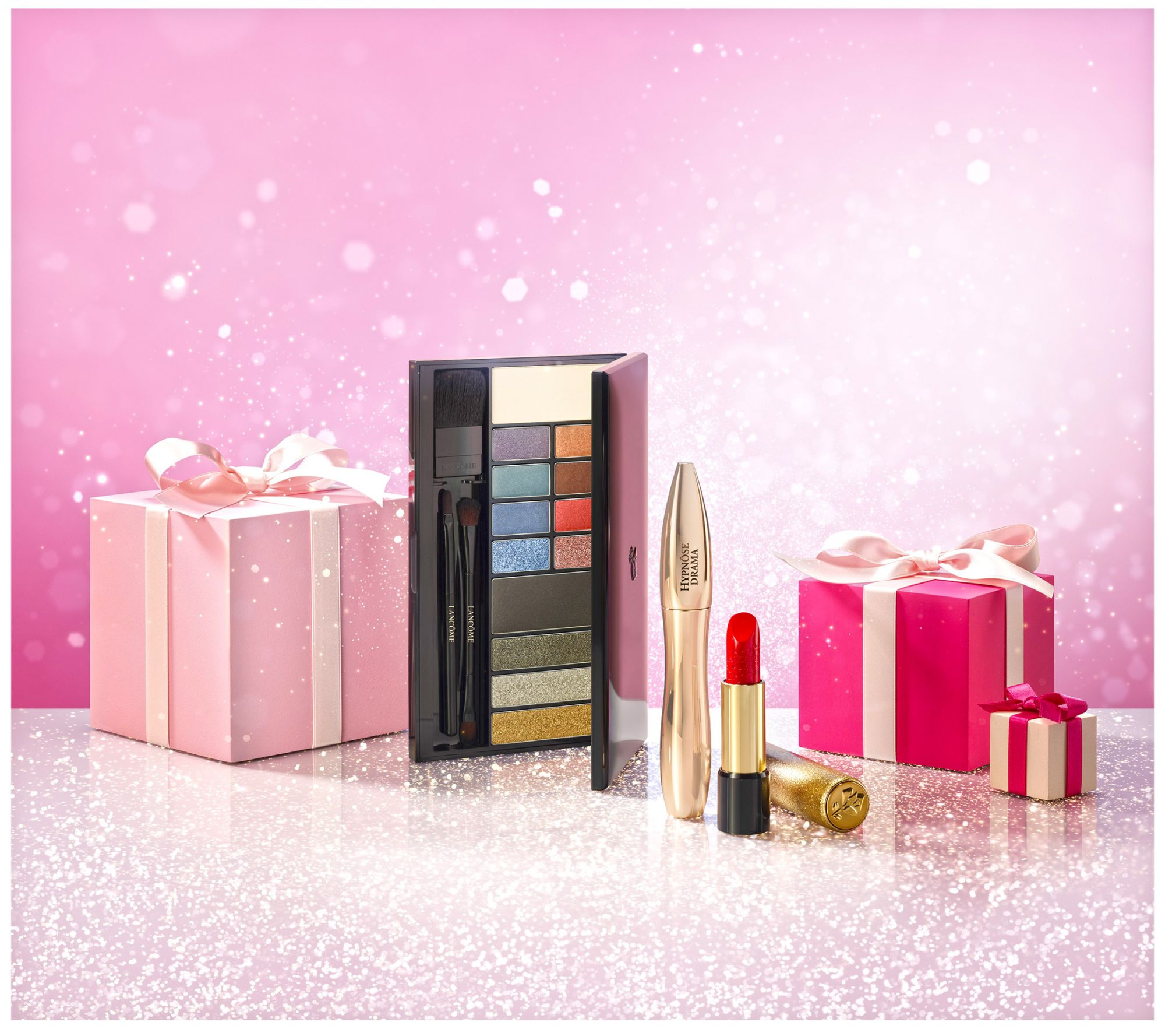 Lancôme's Holiday Makeup Collection Puts You In The Spotlight