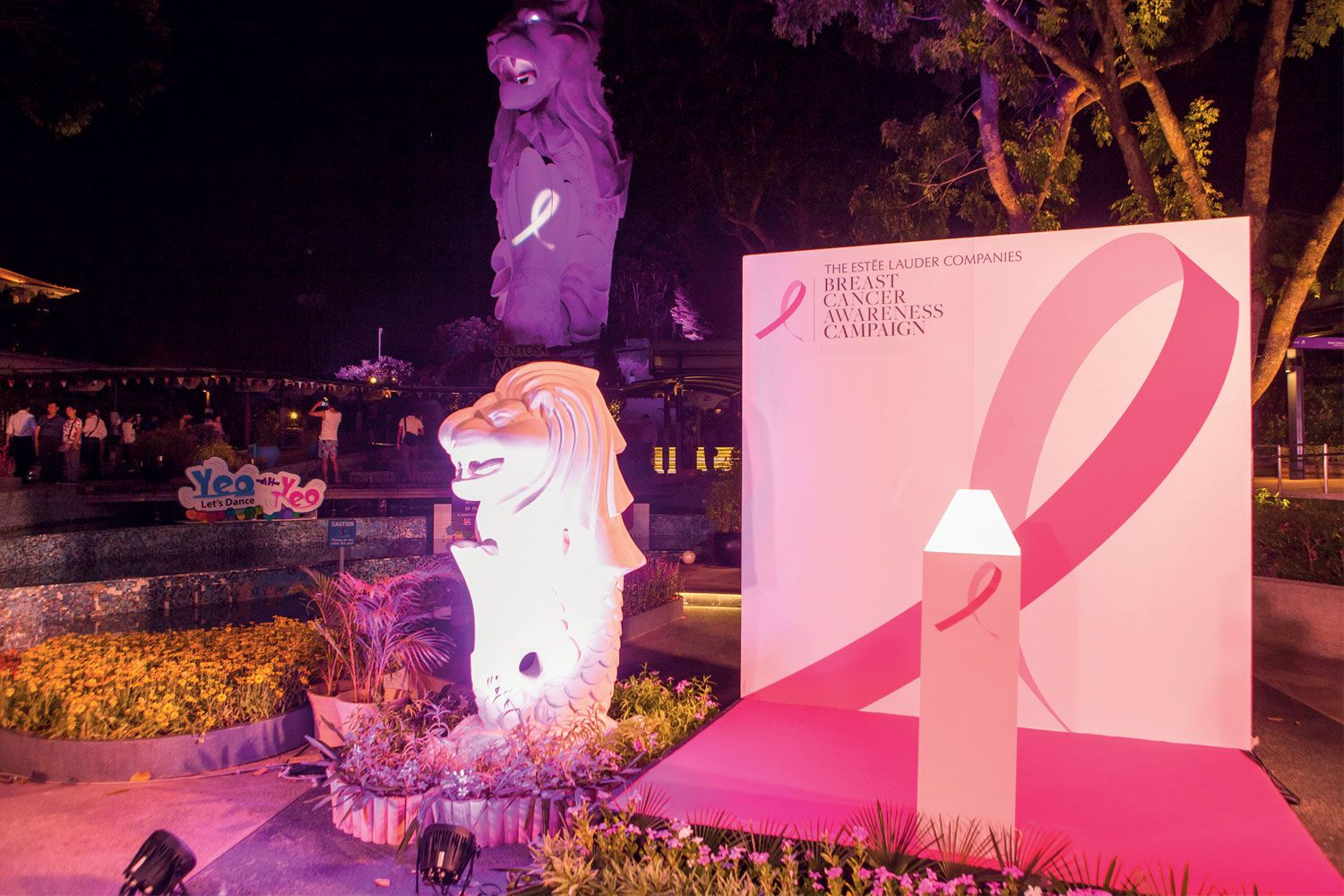 The Merlion aglow in pink