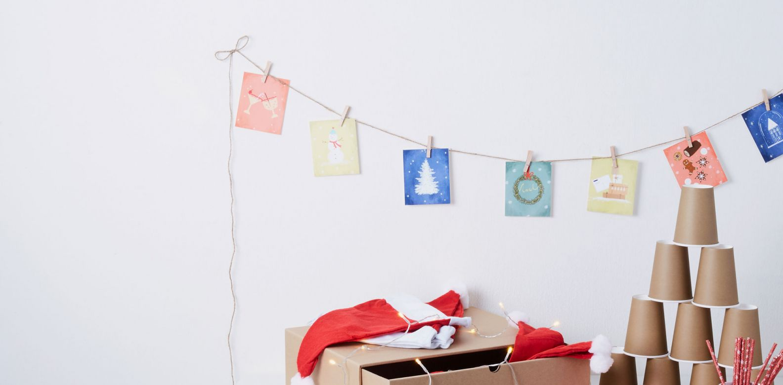 The Christmas Set comes with a a party set to deck up your home
