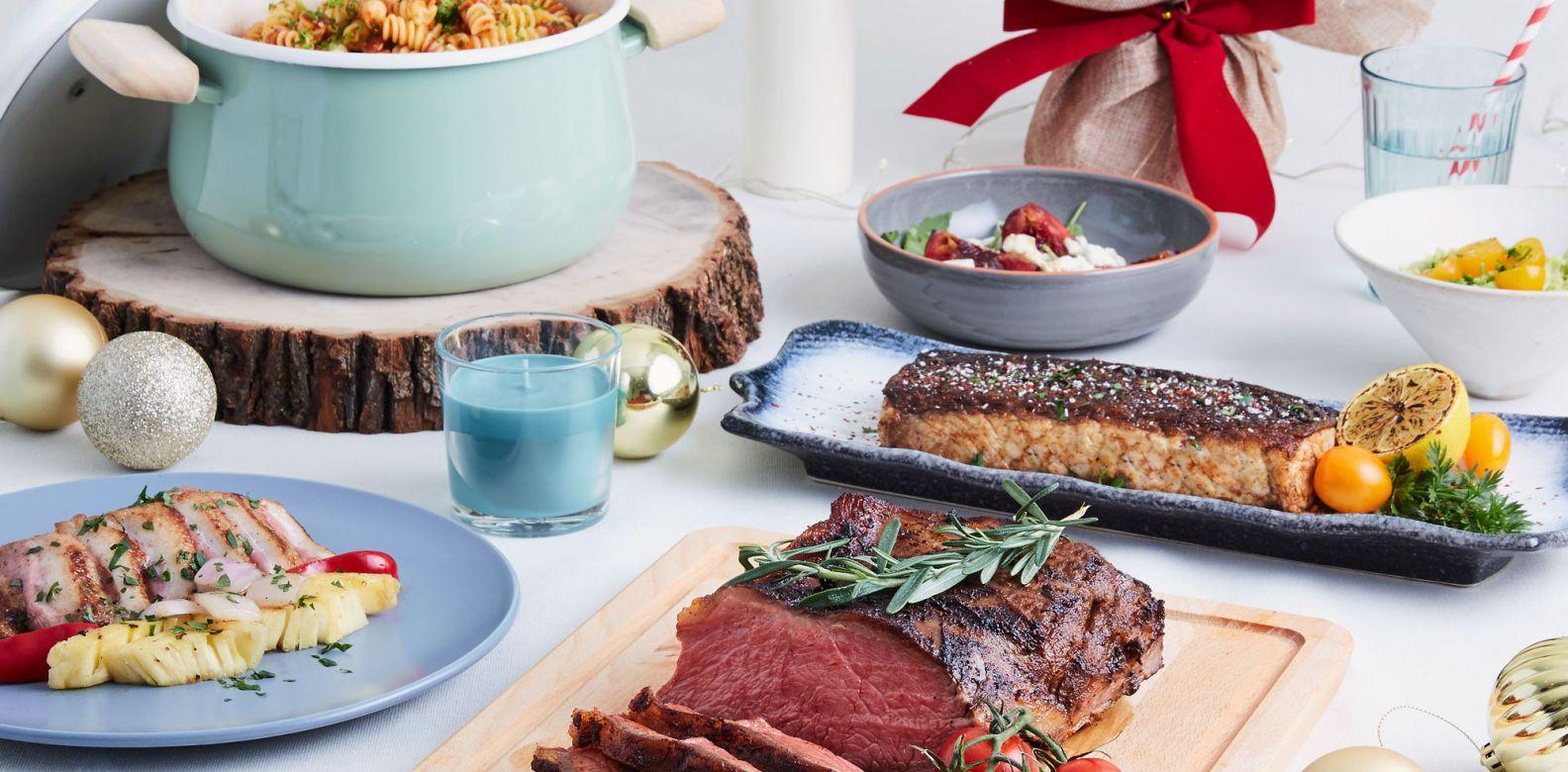 The Festive Set C comes with this gorgeous 1.3 sirloin steak