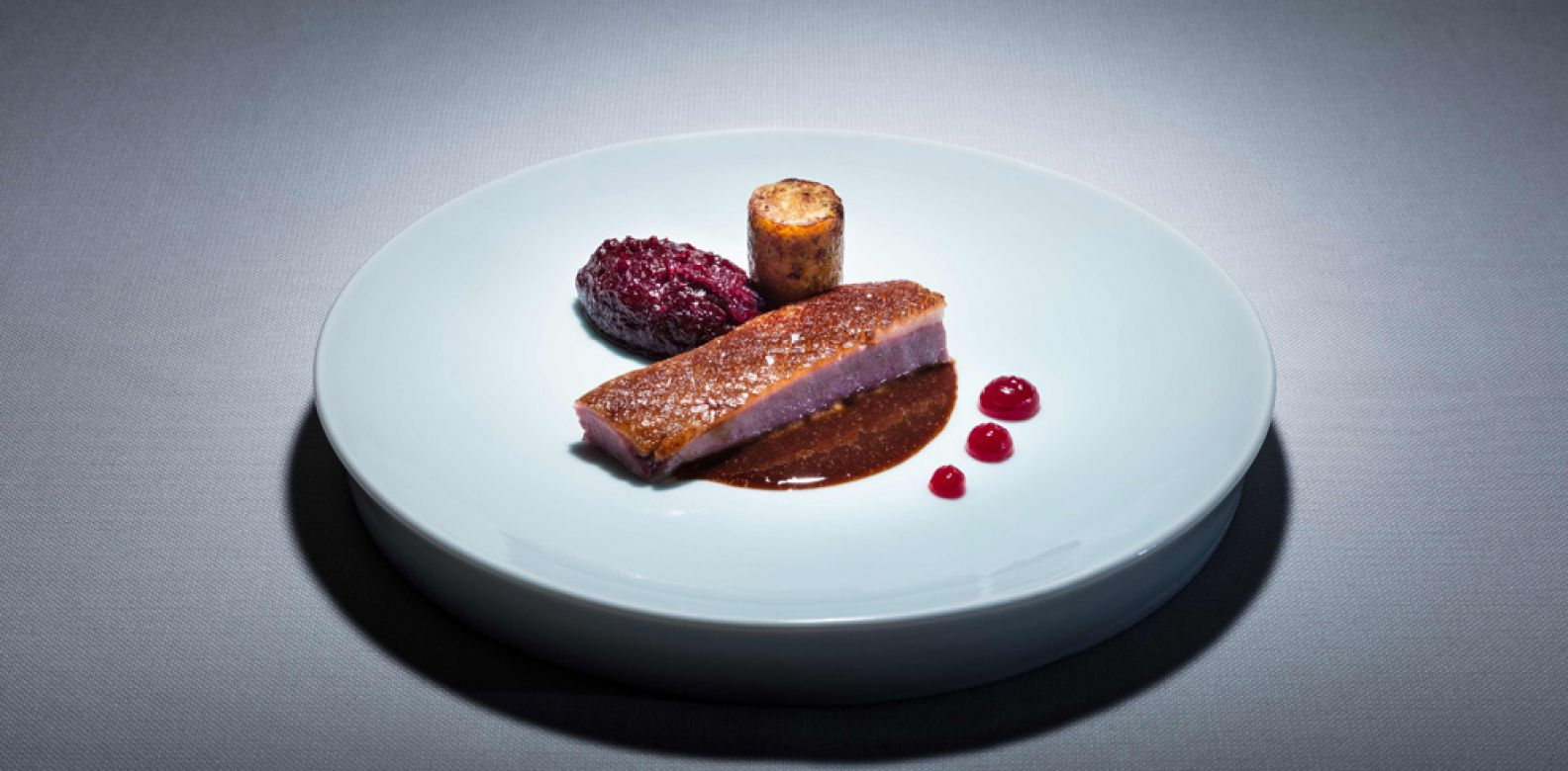 Foie gras ice cream, blackberries, birch syrup and Danish rye (Photo: Signe Birck)