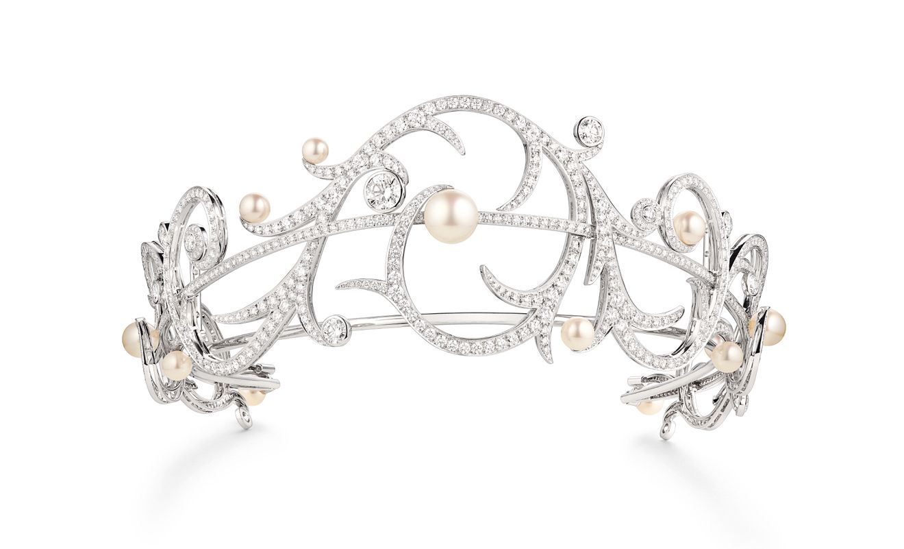 Valses d'Hiver冬季華爾滋白金冠冕by Chaumet。
