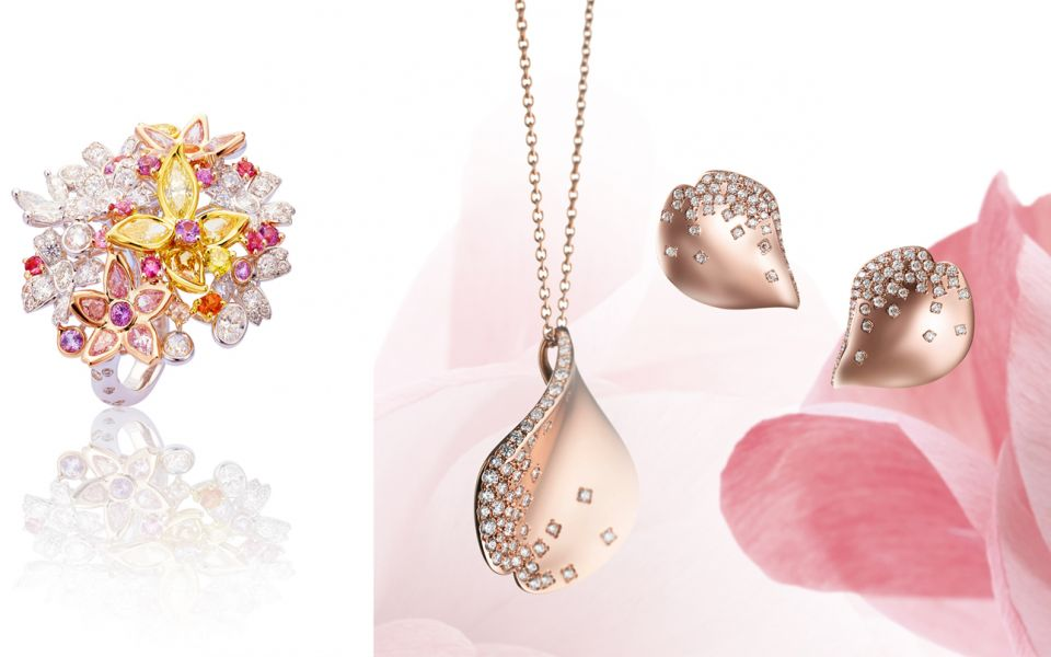 春之櫻戒指by Anna Hu。Pétales Collection Les Pétales de Ginza 18K粉紅金櫻花鑽石墜鍊與耳環by Mikimoto。