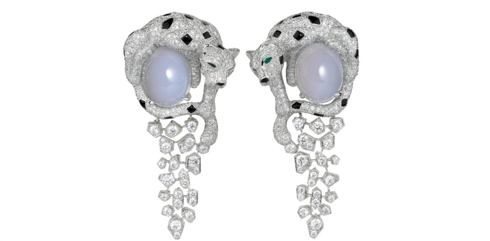 Cartier Royal 美洲豹頂級珠寶系列藍玉髓耳環。(圖片提供/Cartier)