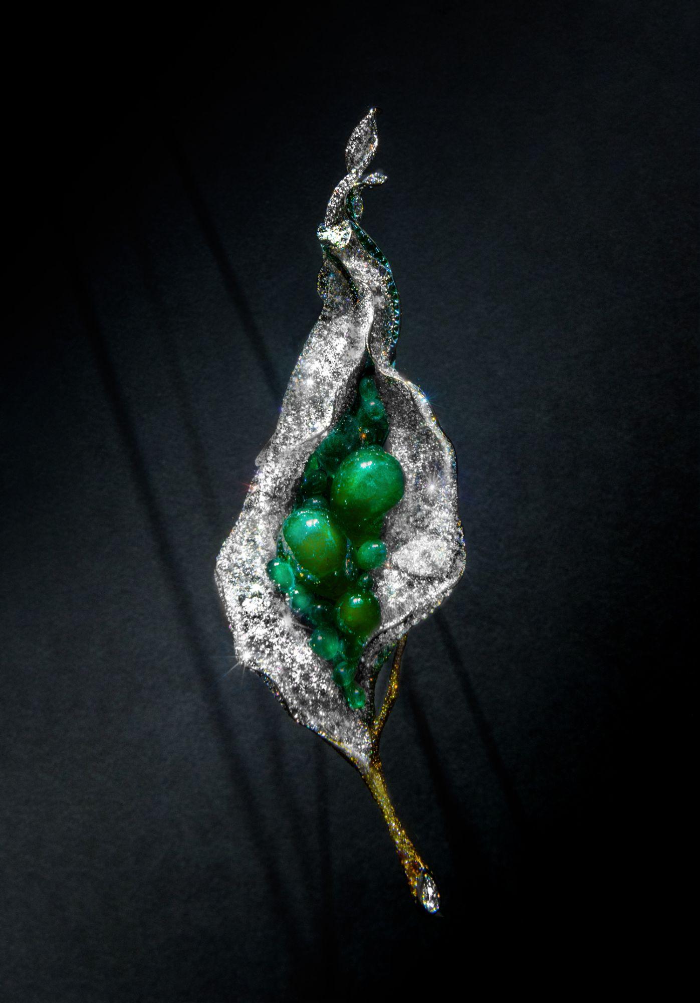 祖母綠花苞胸針。(圖片提供/CINDY CHAO)