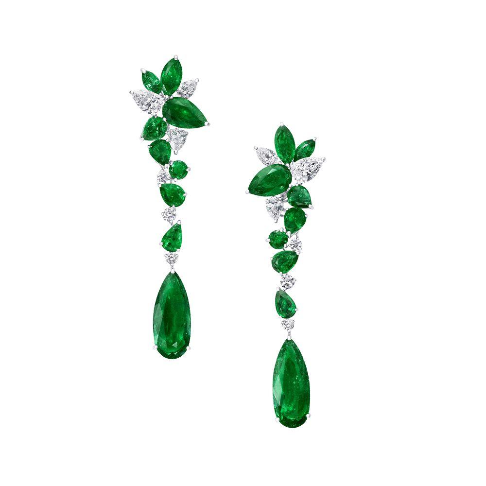 Foliage系列多形切割祖母綠鑽石耳環。(圖片提供/GRAFF)