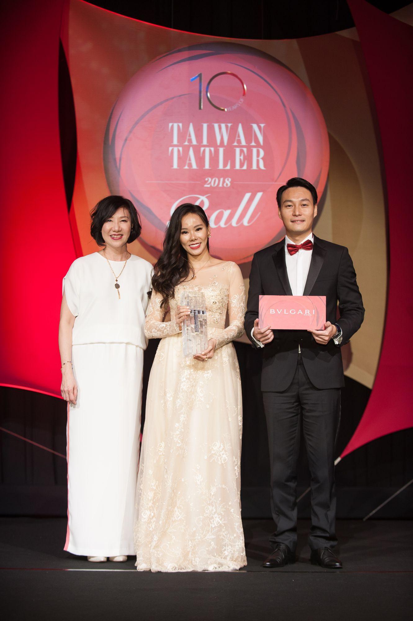 川菱工業股份有限公司董事長與執行董事陳逸霖、陳孟妮伉儷獲「年度璀璨魅力伉儷」,獎品由Bvlgari贊助。