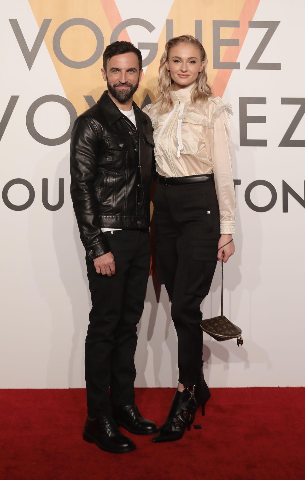 Nicolas Ghesquière 與 Sophie Turner