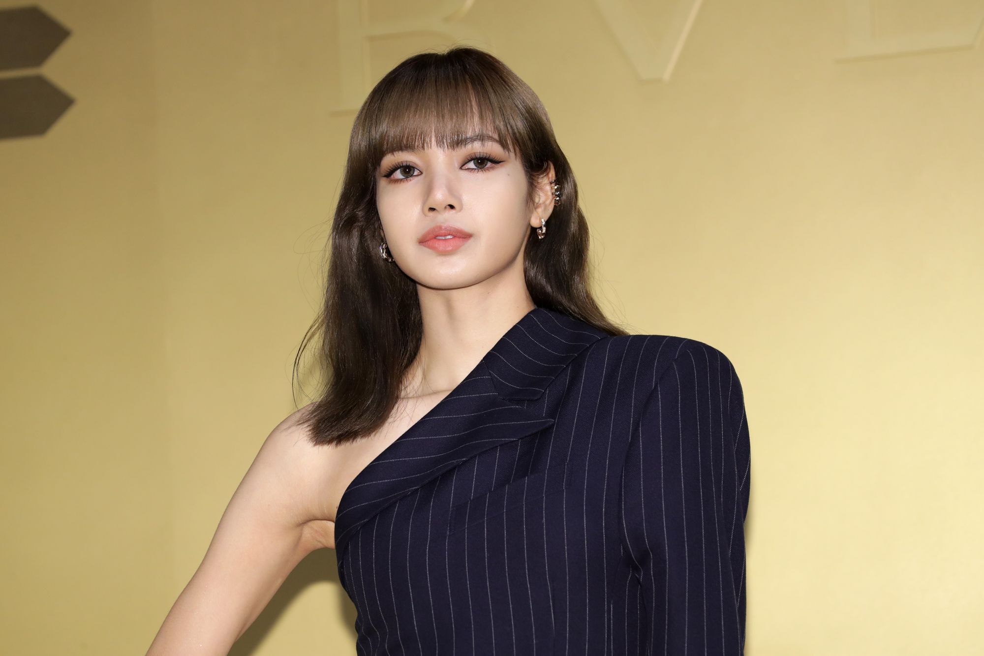 SEOUL, SOUTH KOREA - OCTOBER 29: Lisa aka Lalisa Manoban of South Korean girl group BLACKPINK attends the photocall for the BVLGARI 'Serpenti Seduttori' launch event on October 29, 2019 in Seoul, South Korea. (Photo by Han Myung-Gu/WireImage)
