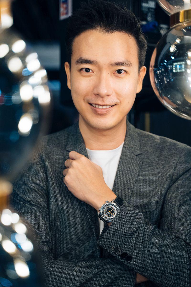 Ko Chuan Zhen dressed in Chopard LUC Time Traveller, self-winding mechanical movement LUC 01.05-L calibre